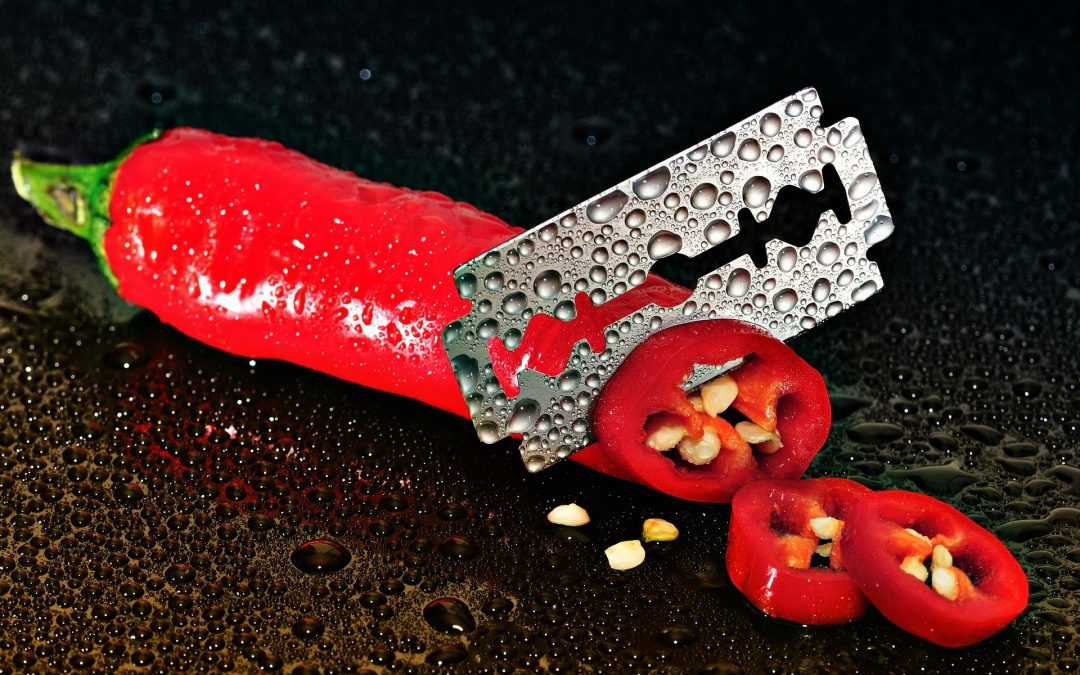 https://pixabay.com/en/pepperoni-red-sharp-cut-knife-273982/